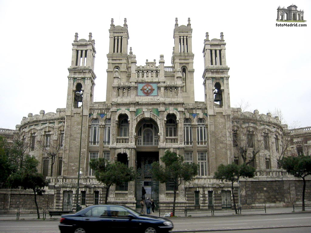 Edificios singulares de madrid curiosos incompletos for Hospital de dia madrid