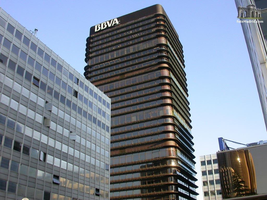 """Los Bancos españoles, como el BBVA, ofrecen soluciones """"extrañas"""" a sus empleados para paliar los efectos de la crisis"""