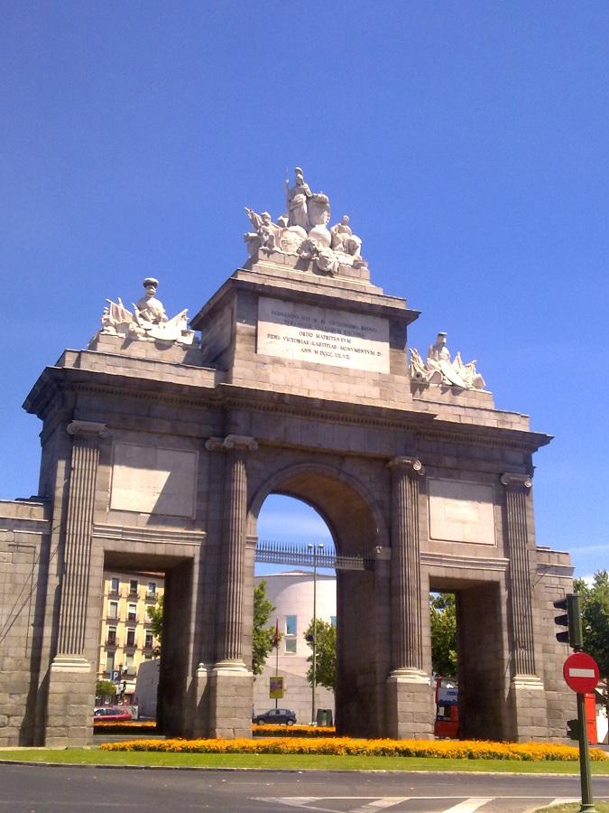 Paseos por Madrid. Cuarto recorrido: de Puerta de Toledo al Templo ...